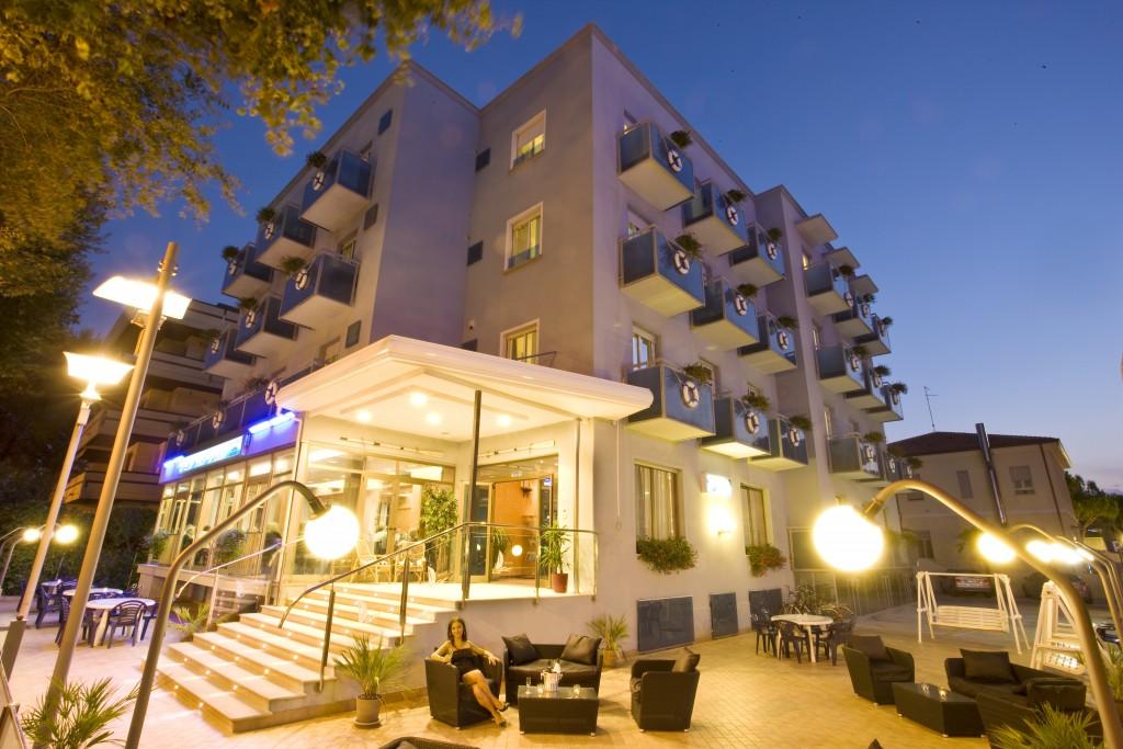 hotel 3 stelle riccione